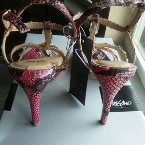 Mossimo Supply Co. Shoes - Mossimo Jeweled Sandals 💎👡💎👡